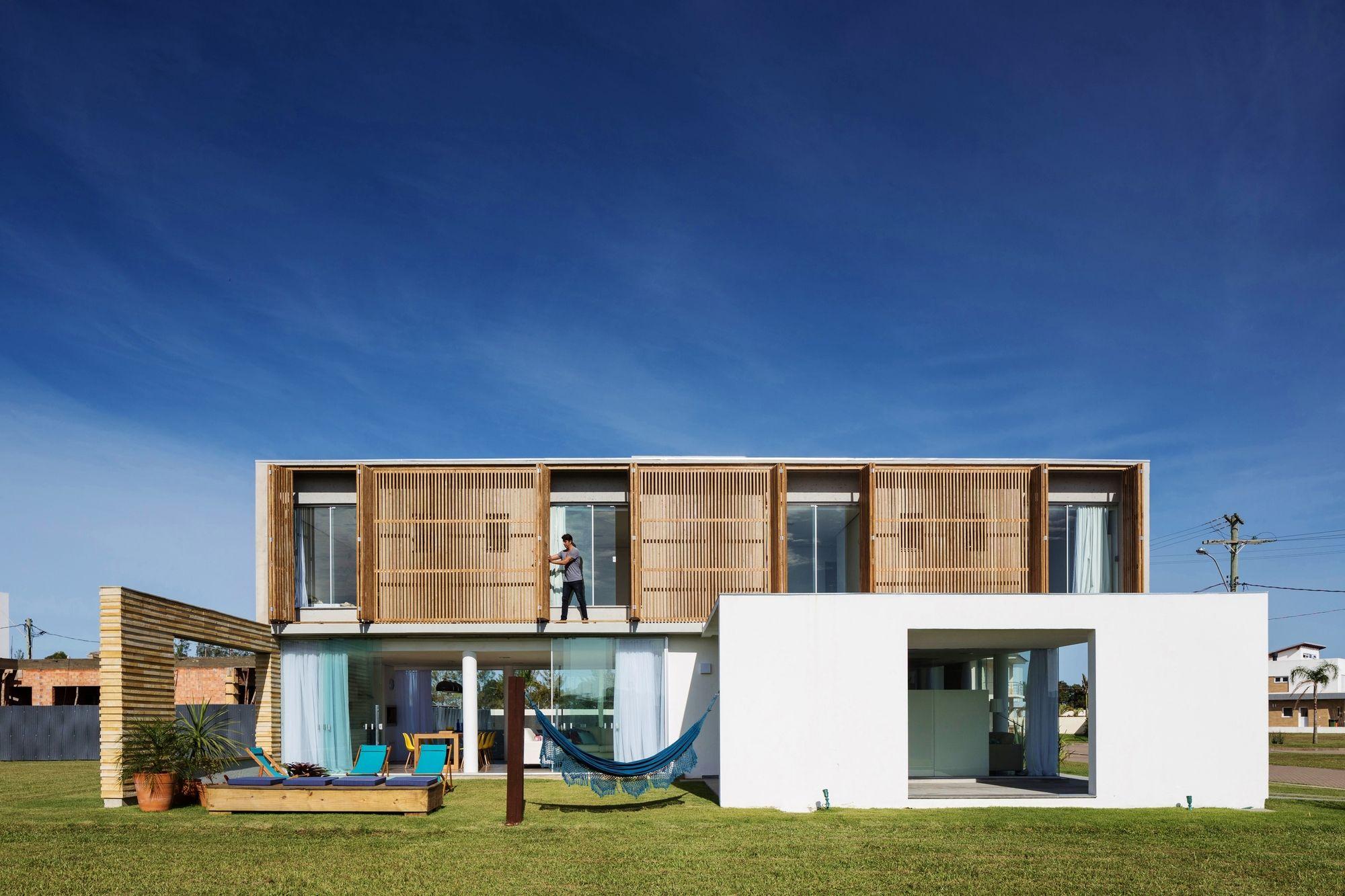 Rectangular Houses casa22 / hola arquitetura | house design, house plans and home