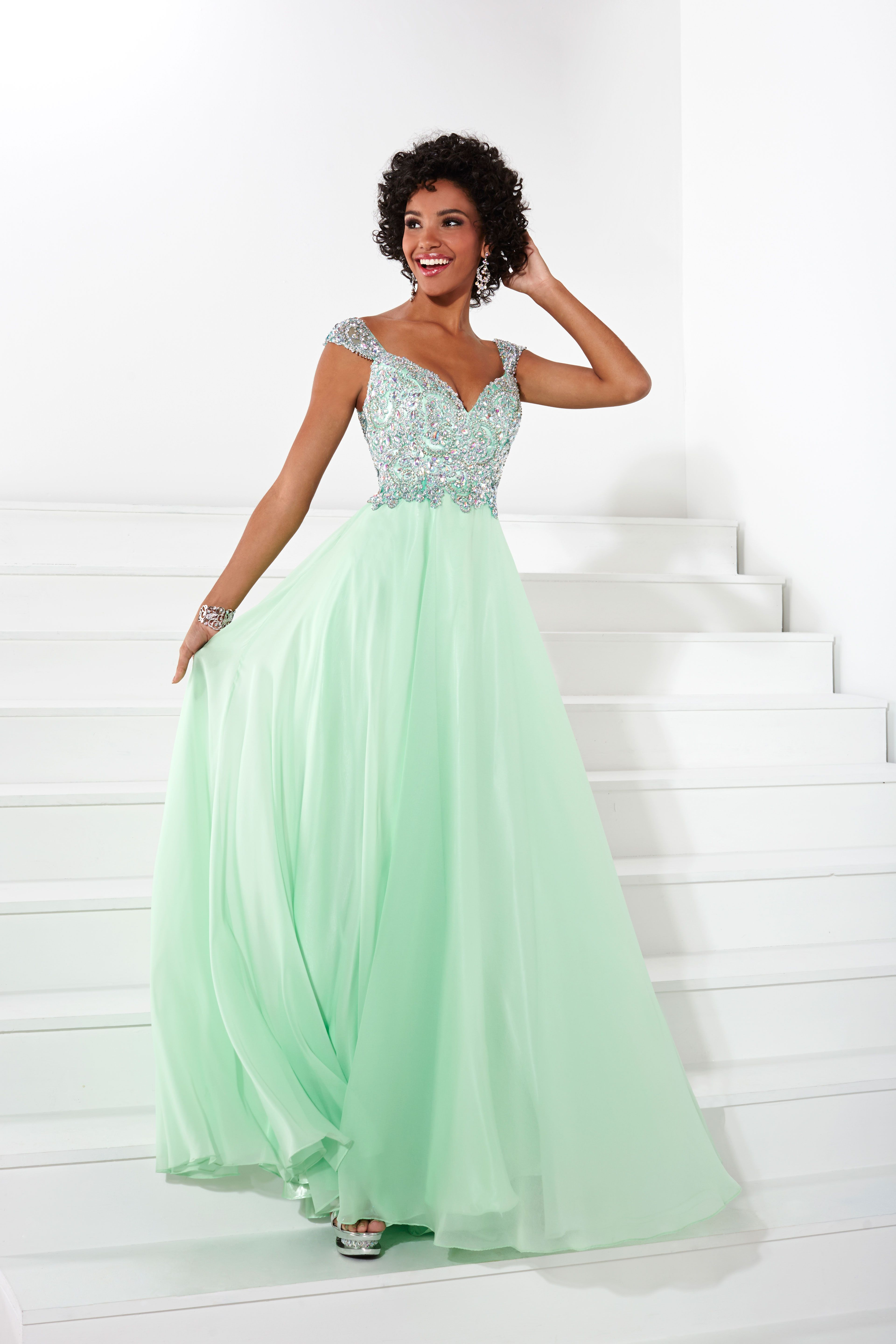 ball gowns that will make you feel like a princess on prom ball