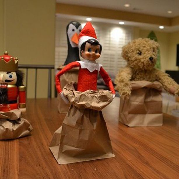 Elf on the Shelf: 30 ingenuius ideas for Elf on the Shelf