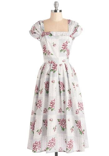 More Forties Inspired Flair: Vintage Style 1940s Plus Size Dresses (With Images)