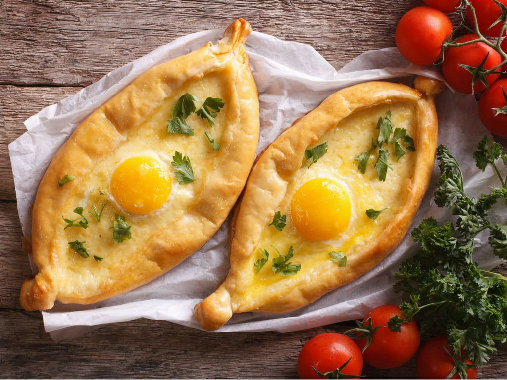 Gruzinskie Chaczapuri Czyli Gruzinska Pizza Idealna Na Lato Przepisy Kulinarne Culinary Recipes Recipes Food