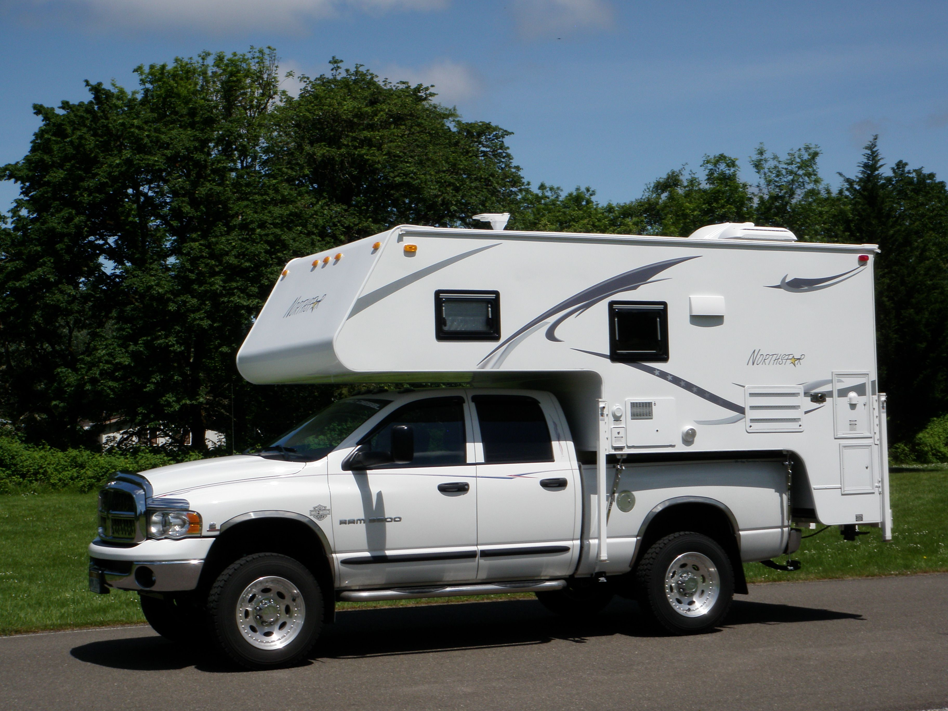 26k For Truck And Camper Sleeps 4 3 On Top Immaculate Hard