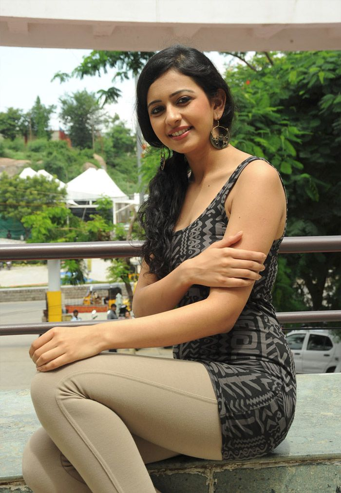 Rakul Preet Singh Spicy Young Babe Spotted In A Tight -1134