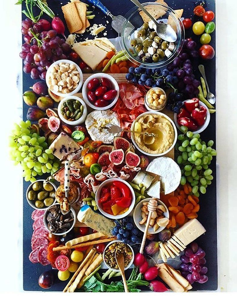 Pin By Maria Eve Evo On Colourful Christmas Food Platters Cheese Plate Presentation Food
