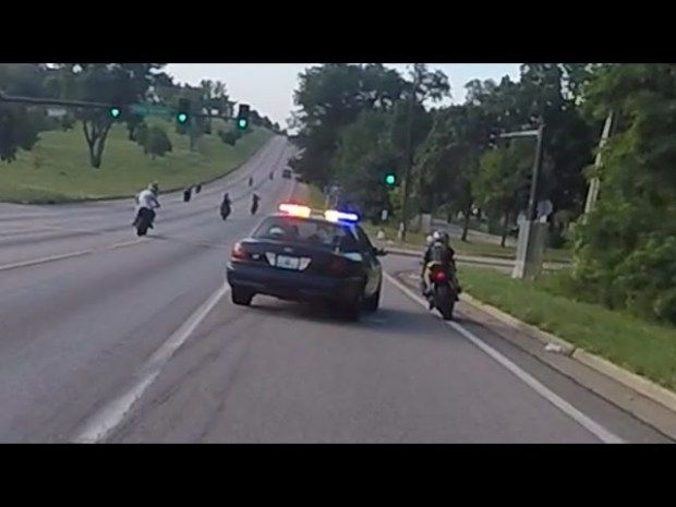 Motorcycle Vs Cops Chasing Bikers Swerves At Stunt Bikes Police