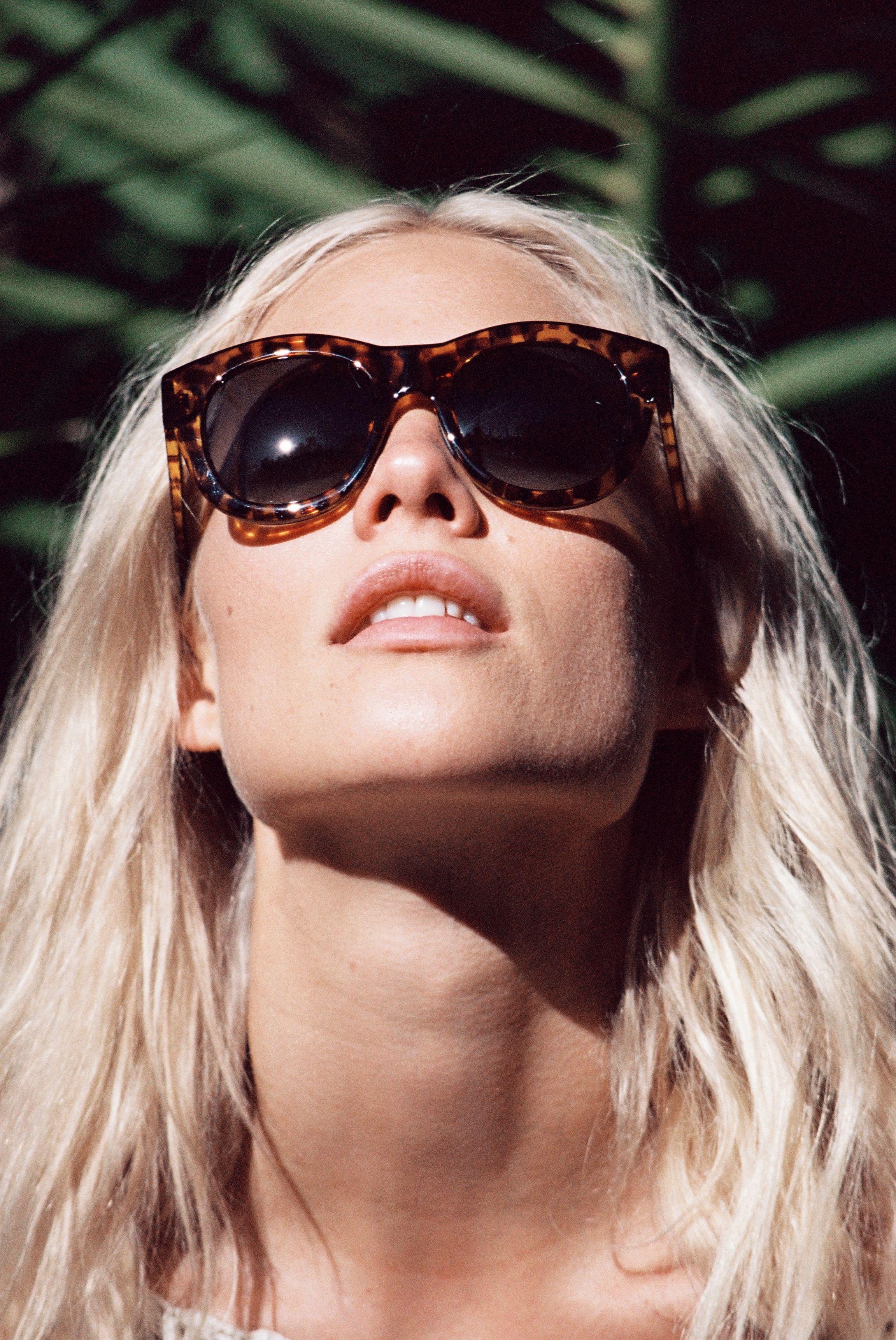 Watch Becca hiller dblanc eyewear ss 2016 campaign hq photo shoot video