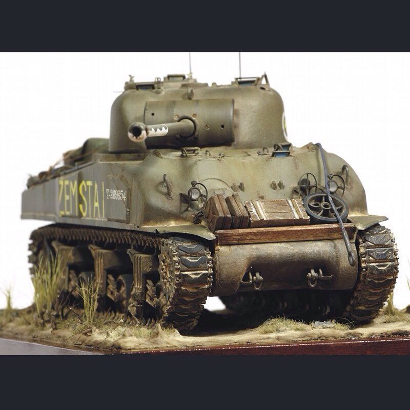 M4 Sherman 1 35 Scale Model Unkown Modeler From Pinterest Scalemodel Plastimodelismo Miniatura Miniature Mini Model Tanks Scale Models Military Modelling