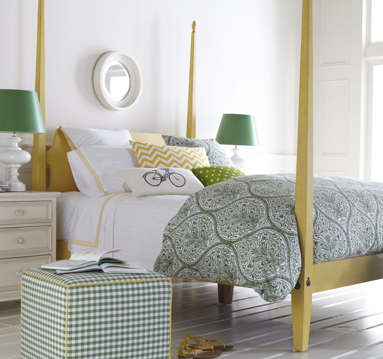 Pretty Citrine And Kelly Green Master Bedroom