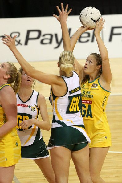 Vanes-Mari du Toit and Susan Pratley in Australia v South Africa as part of the 2012 Quad Series.