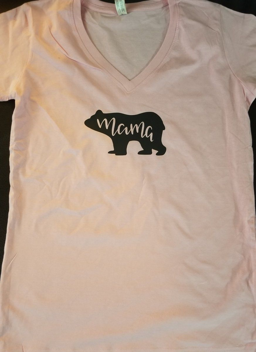39c30e39 Moma bear shirt. Perfect for any mom or yourself. Shirts are labeled XL fit