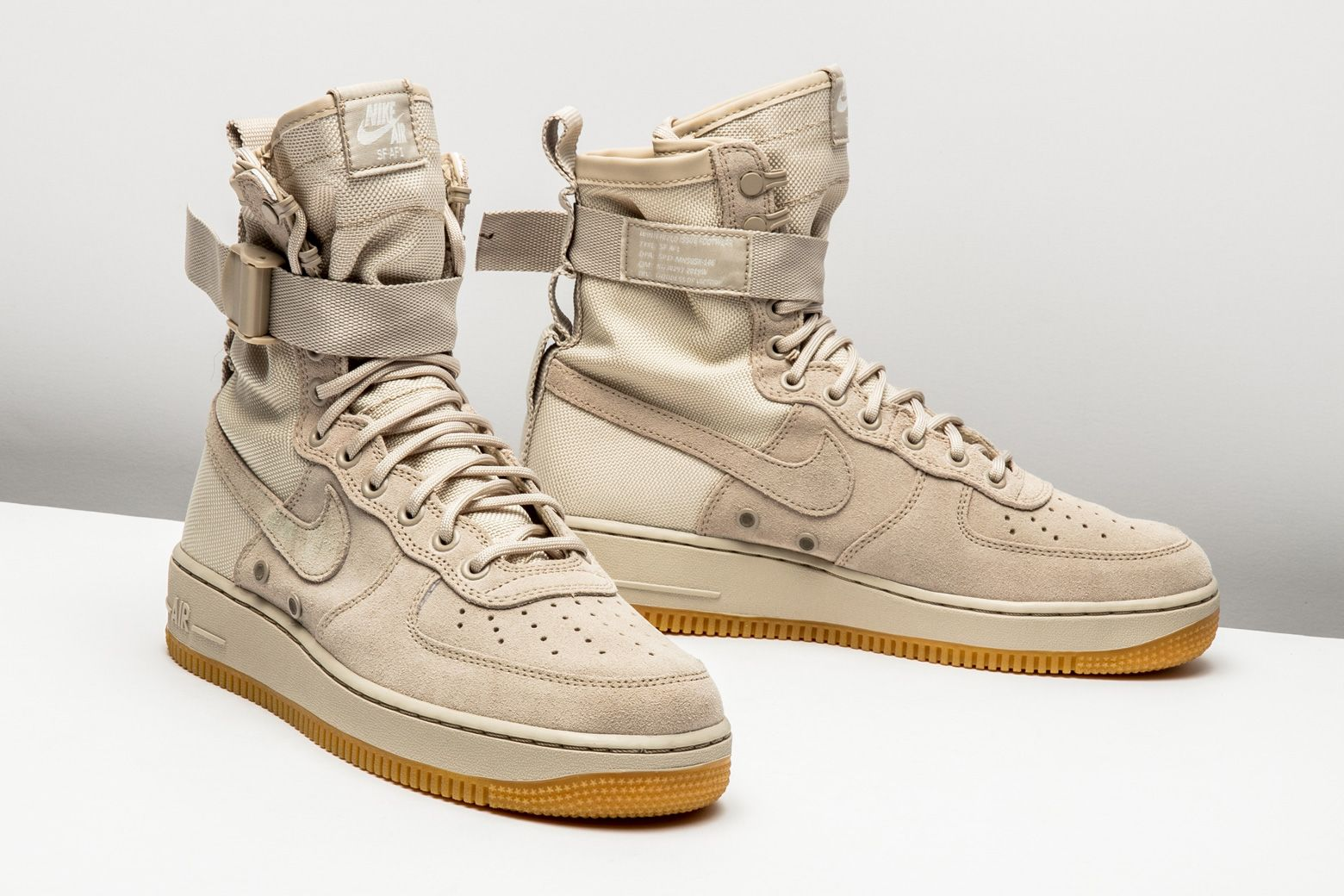 Crisp and clean, the militaryinspired Nike SFAir Force 1