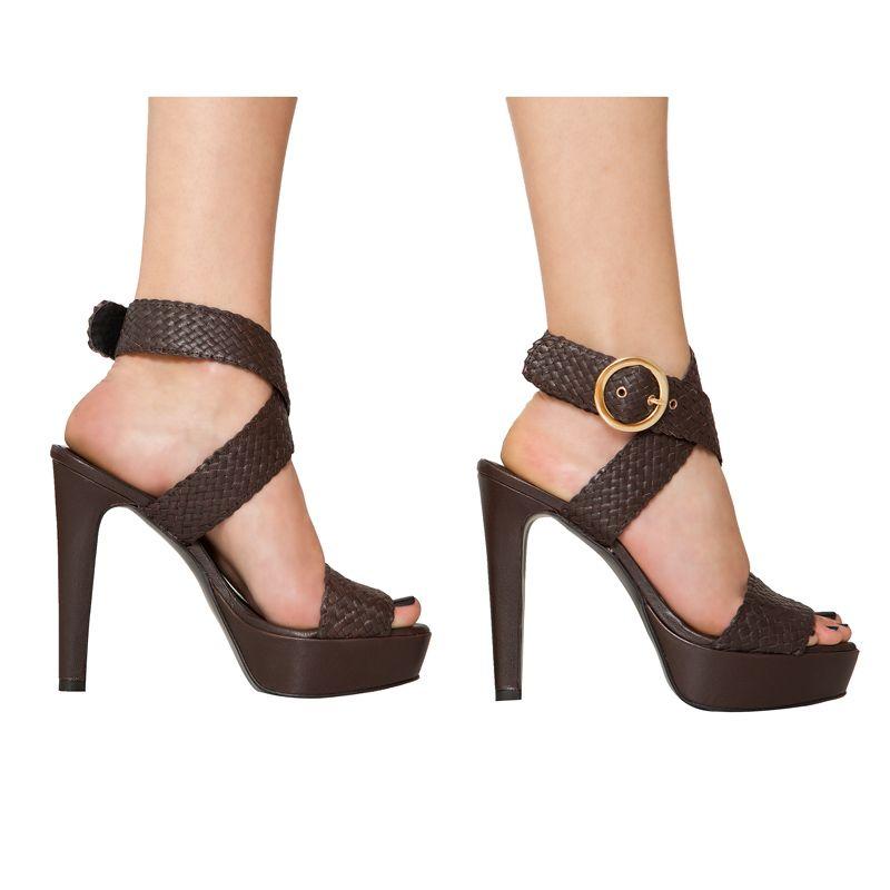 Sandalias de tacón peep toes de piel trenzada marrón chocolate Caty Mas34 www.mas34shop.com