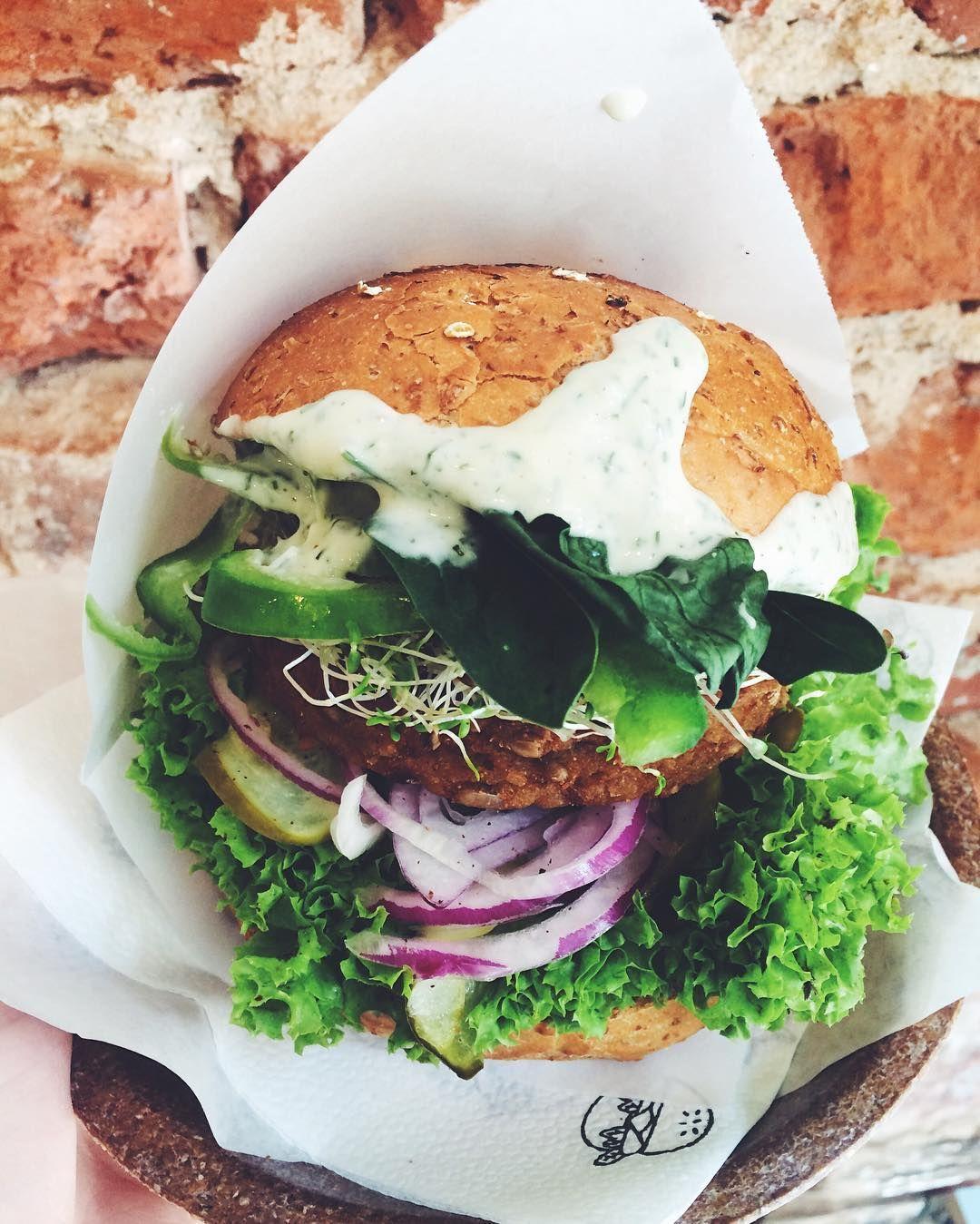 100 Vegan Burger Whole Wheat Bun With A Pumpkin And Sunflower Seed Pattie Vegan Dill Aioli Tomato Healthy Eating Recipes Vegan Burgers Vegan Burger Recipe