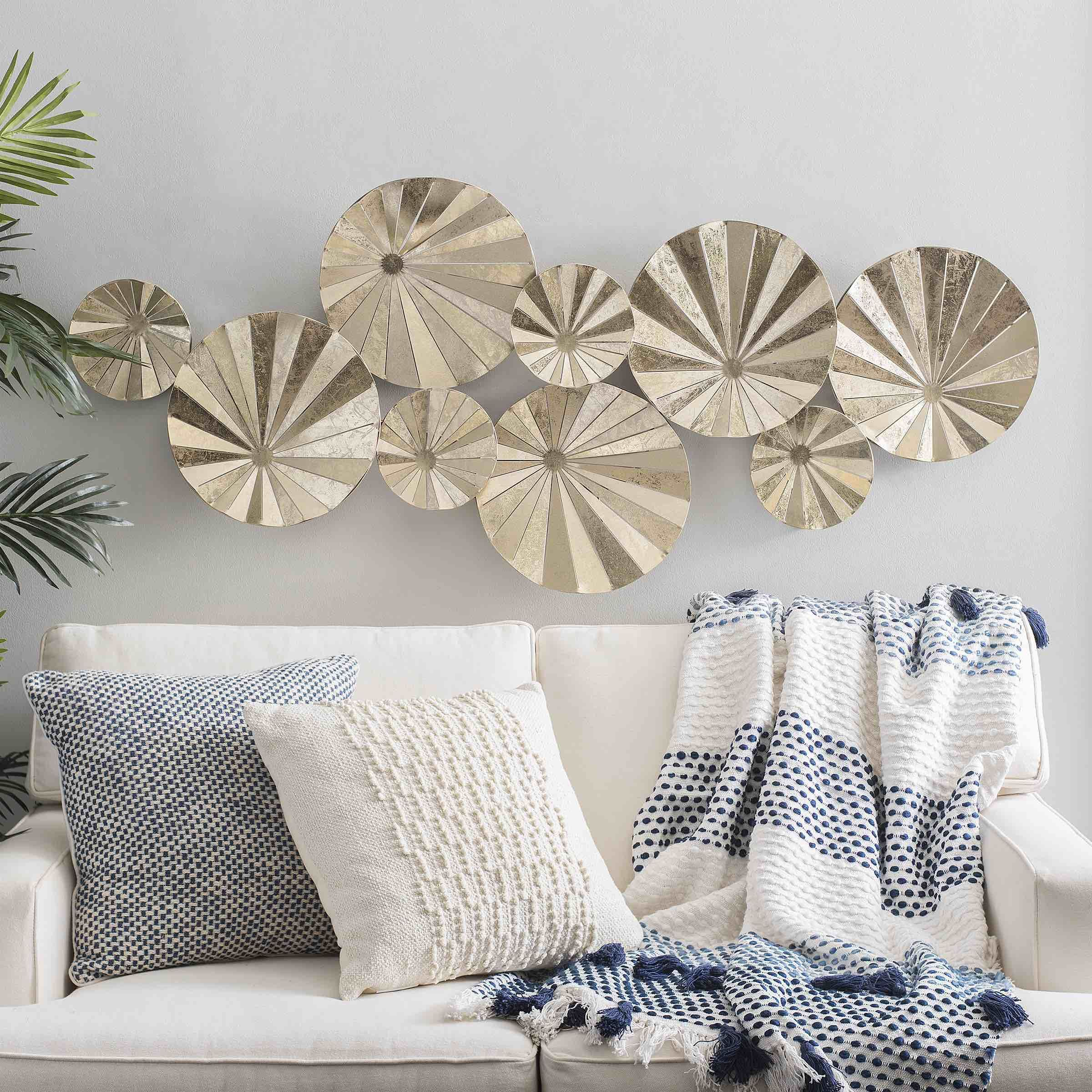So Blue So You Why You Should Incorporate Shades Of Blue This Season Half Full Trendy Wall Art Blue Wall Decor Brick Decor