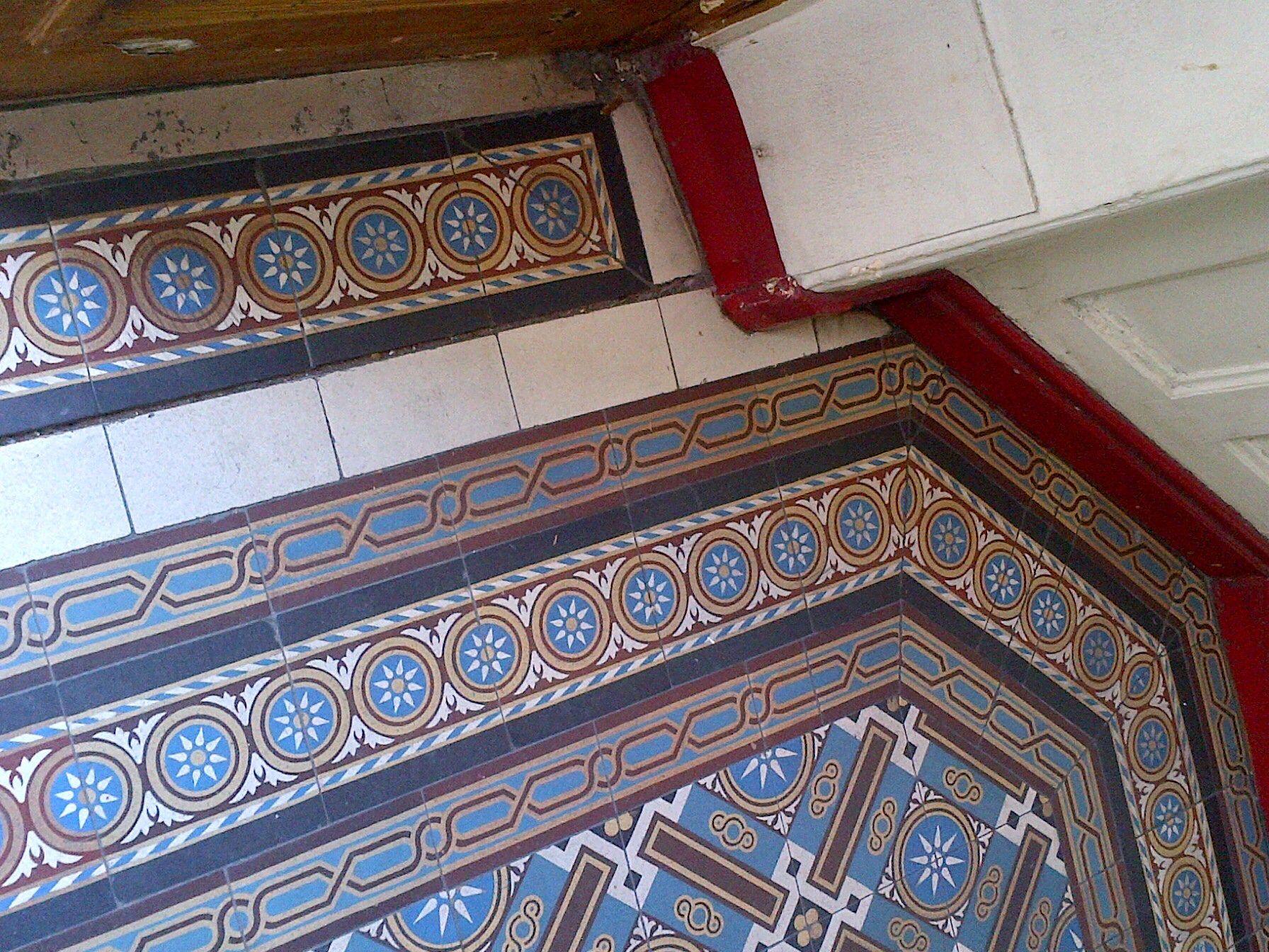 Hall d 39 immeuble paris 15 me tiles pinterest for Carrelage paris 15
