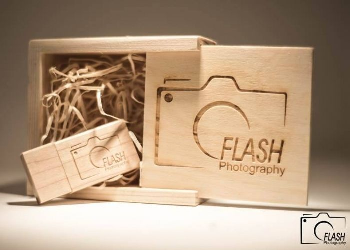 wood USB engraved in wooden box