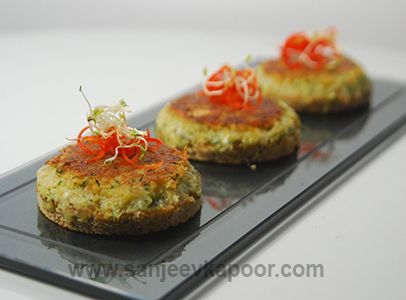 Zucchini and green chilli mixture topped on bread toasts and shallow zucchini and green chilli mixture topped on bread toasts and shallow fried continental cuisines pinterest bread toast green chilli and zucchini forumfinder Gallery