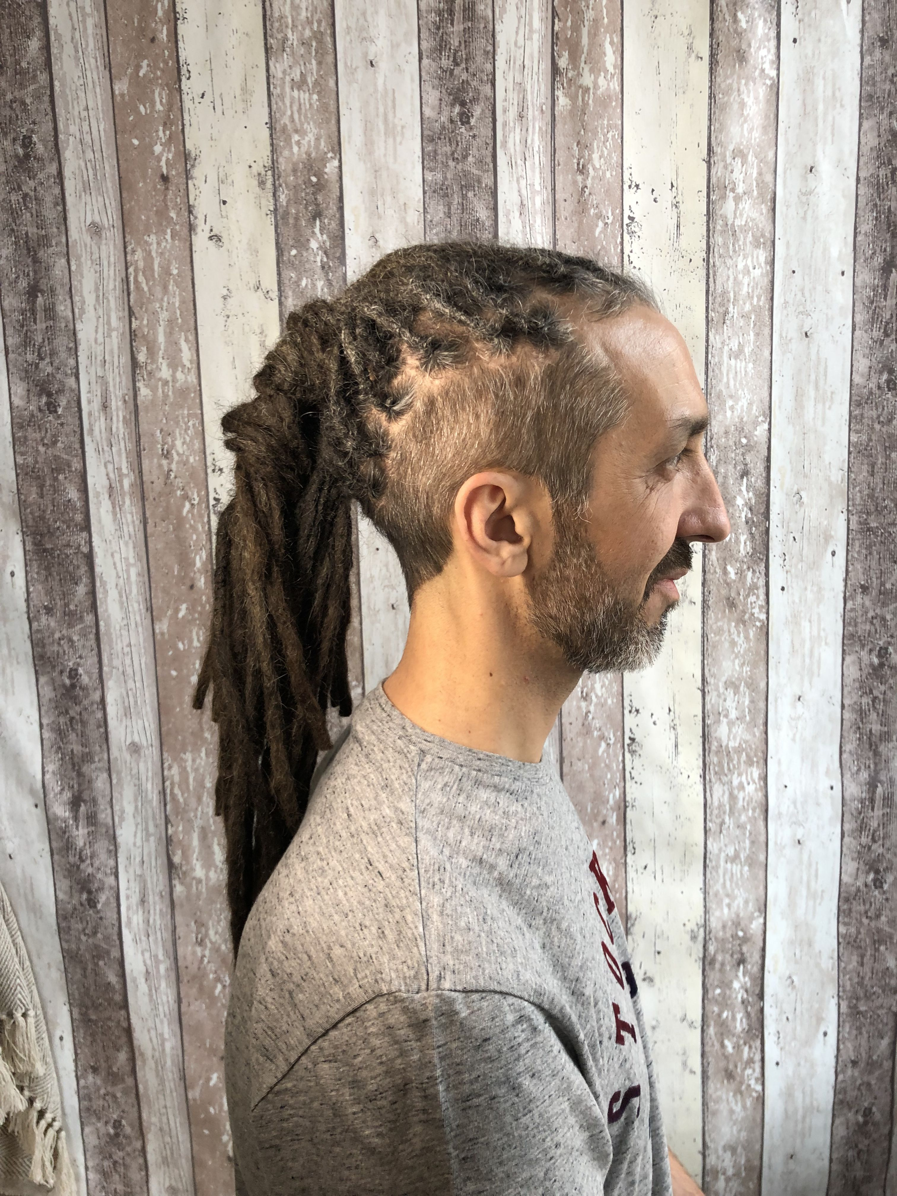 Cedric Was Looking For Someone Qualified And With Skills Of Dreads Dreadlocks In Marseille Since Bim Bim Aka Dr Dreadlock Dreads Dreadlocks Dreads Naturelles