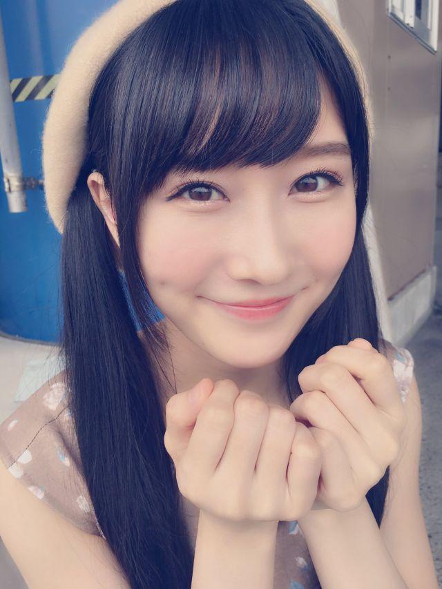 微笑む矢倉楓子