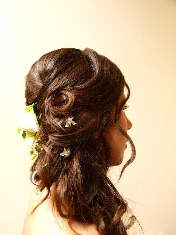 Lockere Romantische Halbe Hochsteckfrisur Hairstyling Frisur