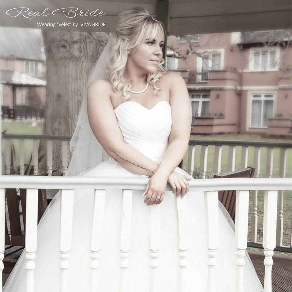 Real Brides Wed2b: Stunning Real Bride Lucy Looks Amazing In 'Velez' By Viva