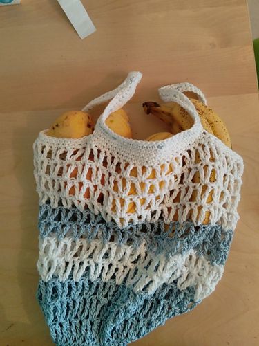 String market bag from a free pattern