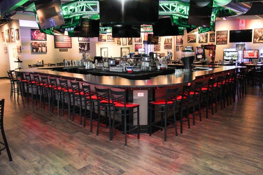 Description Stadium View Sports Bar And Grille Green Bay Wi Products Flooring Ceramic Tile Sports Bar Commercial Design Bar