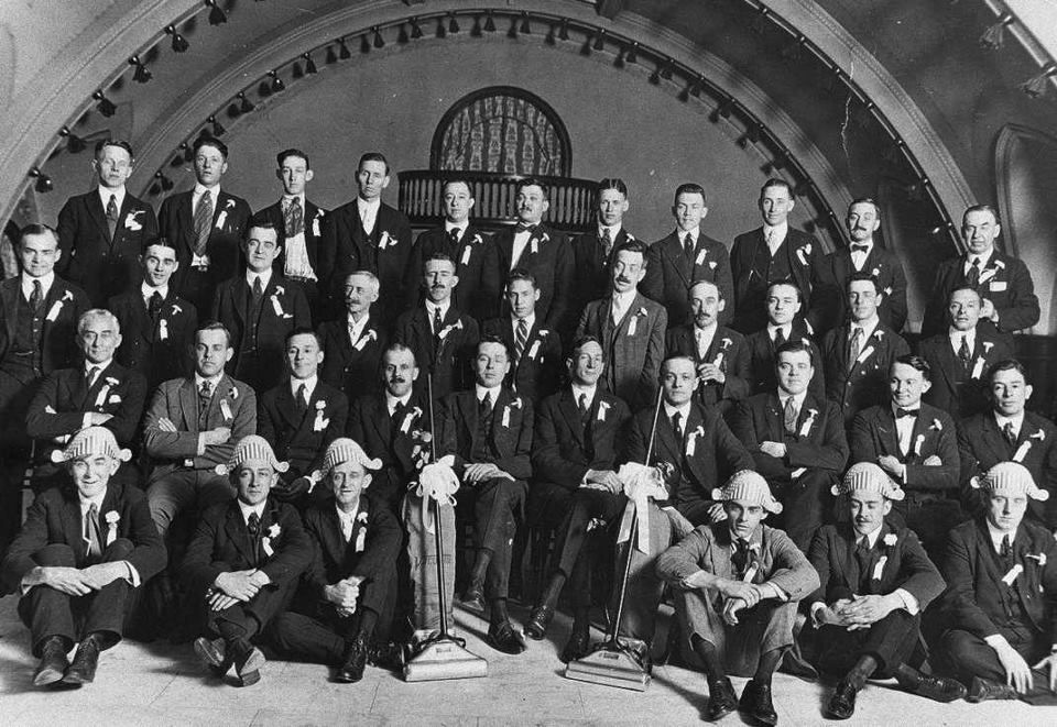 A Photo Of The 1921 Second Annual Convention Of Vacuette Salesmen Nice Hats Best Vacuum Good Vacuum Cleaner Kirby Avalir