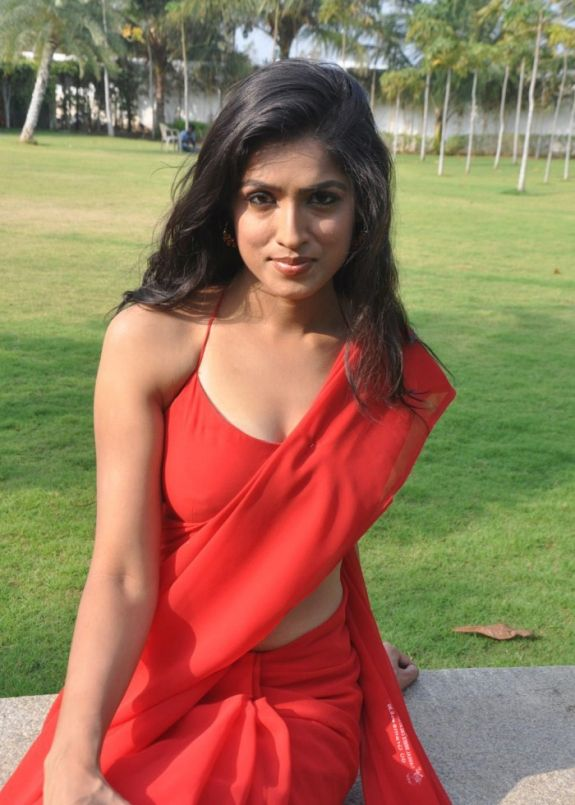 Actress Navel Show,Hot Cleavages,Glamours Stills,Tamil