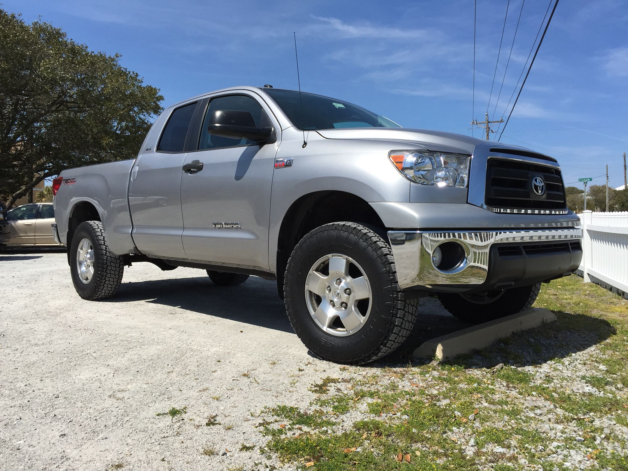 Tundra leveling kit and 295/70r18 Terra Grapplers