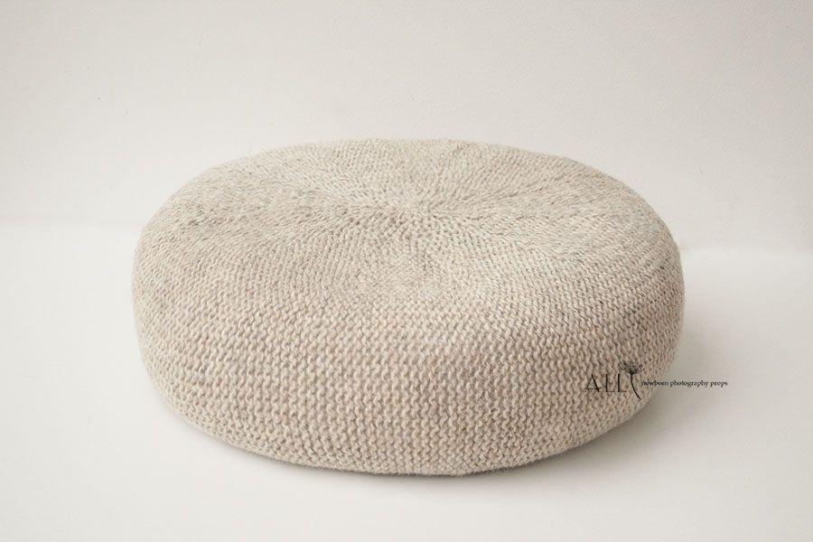 Miraji create a nest posing ring cushion pillow