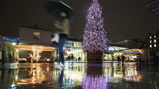 Until 6 Jan In Covent Garden Piazza, City Of Westminster, London. Marvel At  The Decorations And Illuminations At Covent Garden Over The Festive Season.