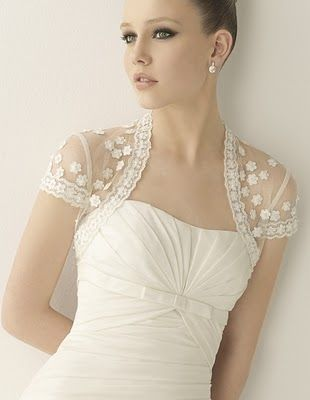Universo Humano Vestido De Noiva Com Bolero Ou Renda