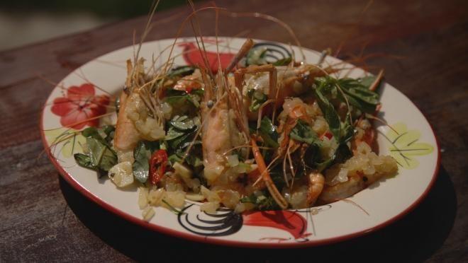 Kalle - Chef on the Beach | , chiliä ja timjaminoksia oliiviöljyssä miedolla lämmöllä kunnes ovat täysin pehmeitä. Ota pannu sivuun, lisää sitruunan mehu ja raasta kuorta sekaan....