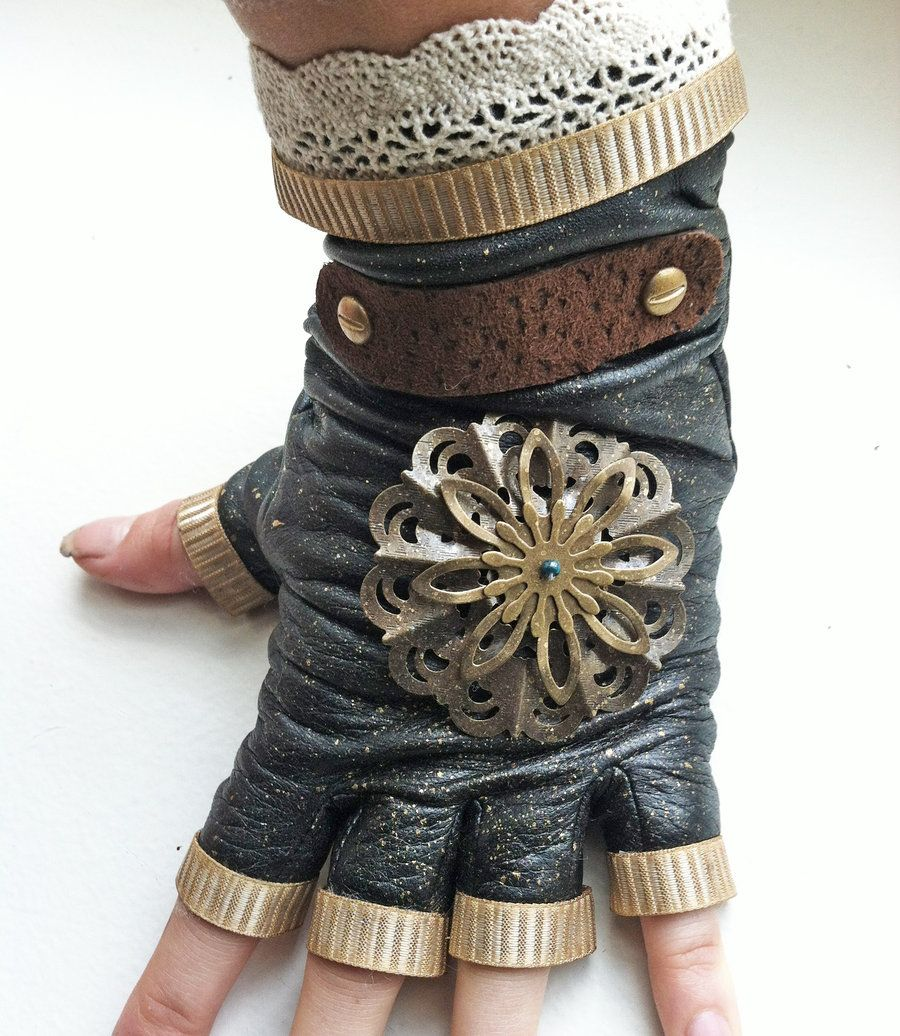 Lovin these!  Steampunk Glove