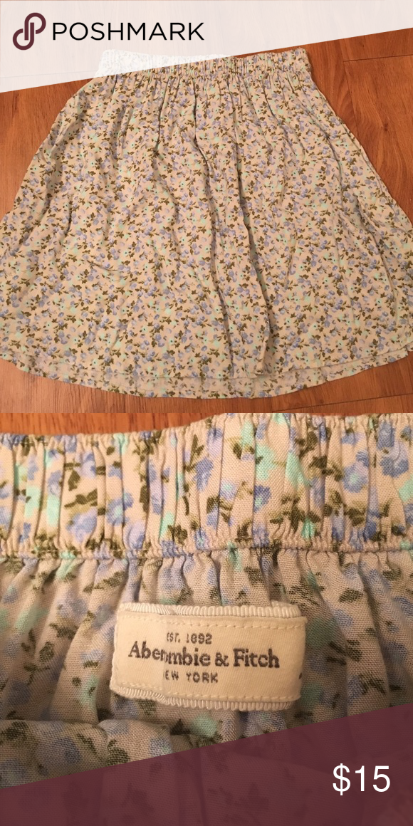 Abercrombie and Fitch blue floral skirt Blue floral skater skirt Abercrombie & Fitch Skirts Circle & Skater