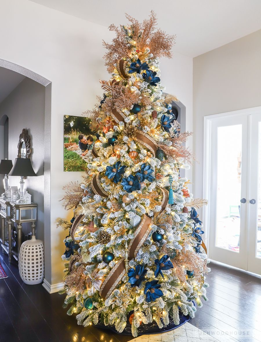 Christmas 2018 Holiday Home Tour Gold Christmas Tree Decorations Amazing Christmas Trees Christmas Tree Decorations