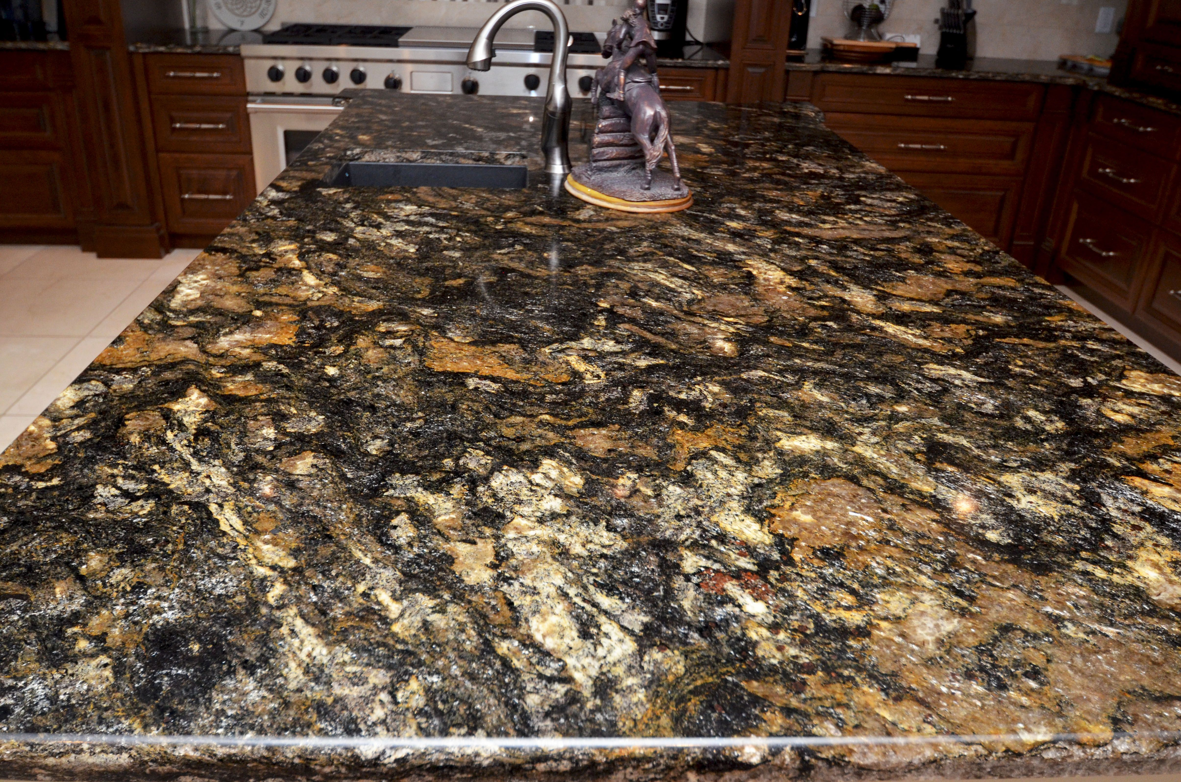 Close Up View Of The Glittery Saturnia Granite Kitchen Island With Seating Kitchen Remodel Granite Countertops