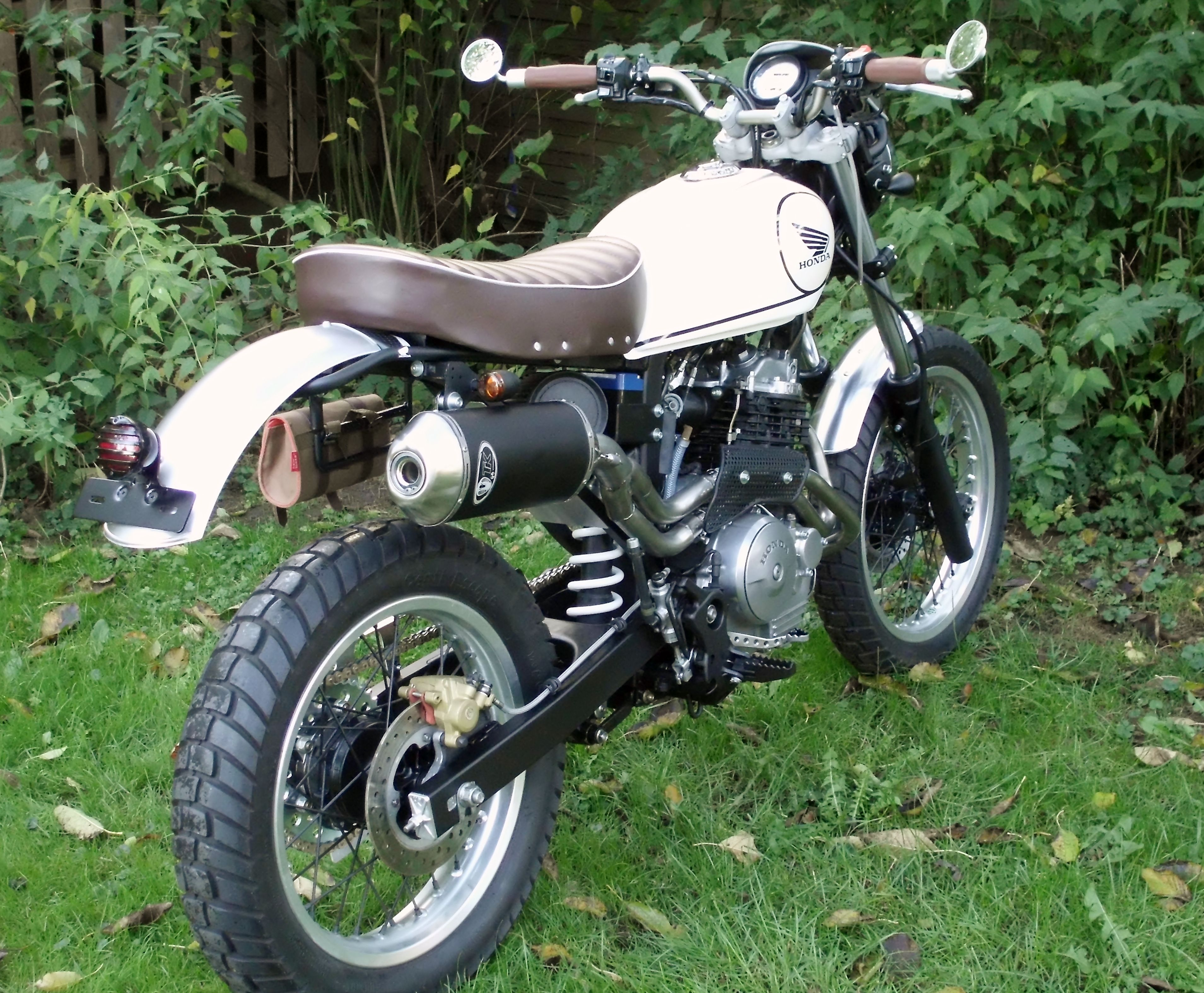 honda slr 650 scrambler honda slr 650 pinterest. Black Bedroom Furniture Sets. Home Design Ideas