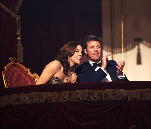 Después de la proclamación de los reyes Felipe y Letizia, ahora todas las miradas se vuelven hacia Federico y Mary de Dinamarca #realeza #royalty