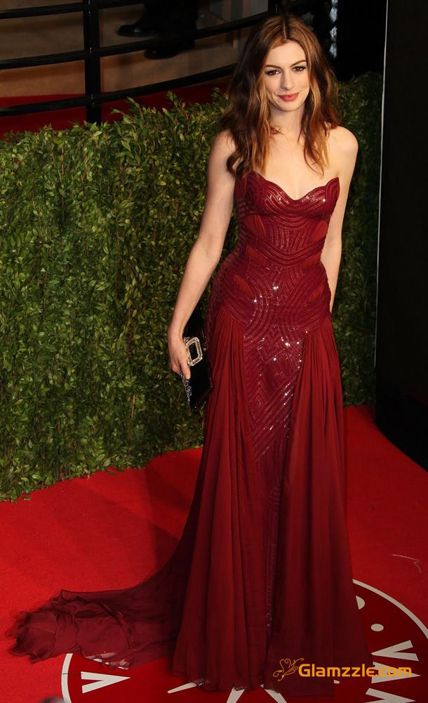 Red carpet pros in 2018 | She | Pinterest | Red gowns, Anne Hathaway ...