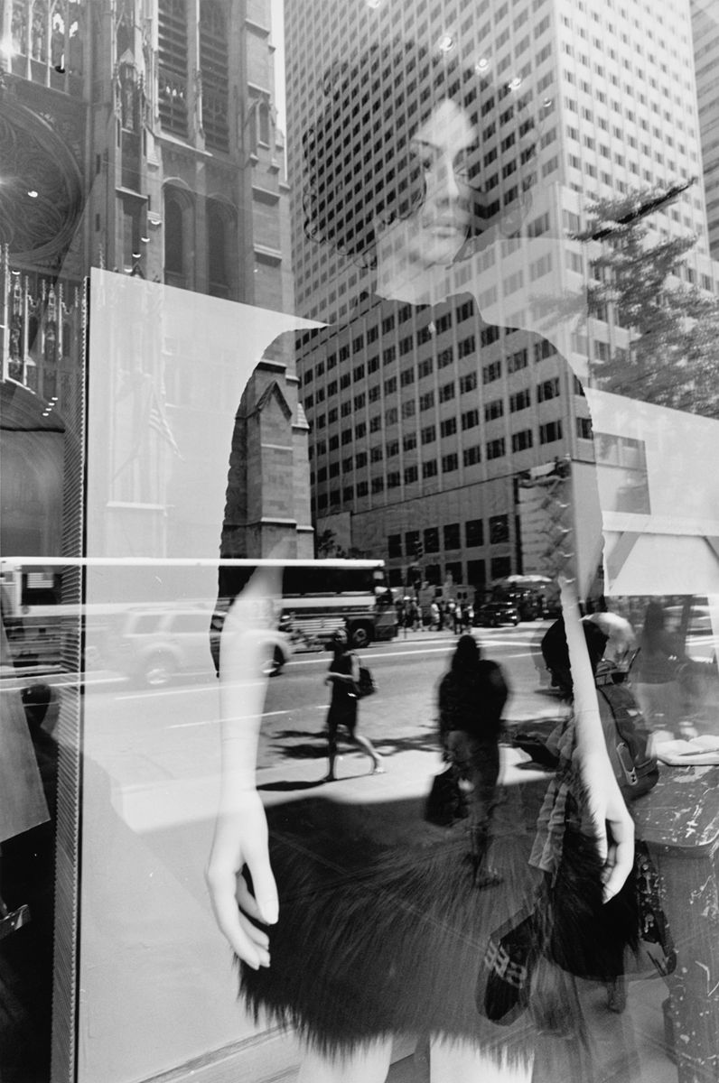 Lee Friedlander Street Photography Google Search Urban - Photographer captures the amazing reflections of puddles in new yorks streets