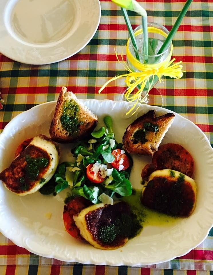 Restauracje Wloska Warszawa Piccola Italia Najlepiej Italian Kuchnia Http Piccolaitalia Pl Ul 1 Sierpnia 46 Caprese Salad Italian Restaurant Italian Dishes
