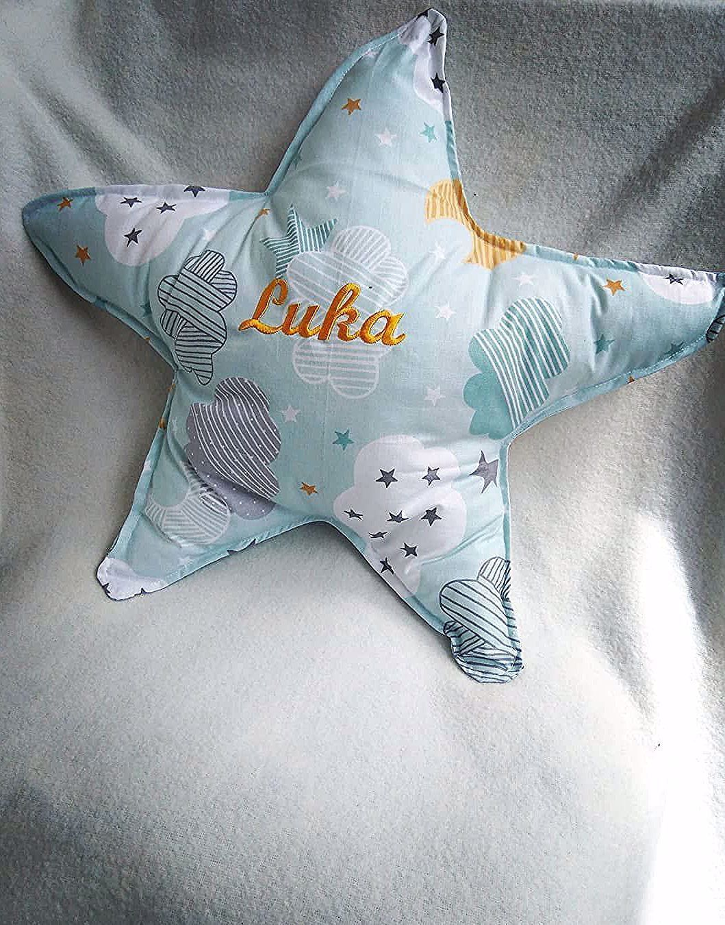 Jastuci različitih oblika za velike i male.  Vezemo imena, poruke i aplikacije!  #craftymoms #momlife #momandbaby #babygoods #kids #kidsacessories #homemadeproduct #handmade #gift #girls #boys #inspiration #newideas #personalizegifts #roomdecor #stuffforkids #decoration #kidsbedroom #pillows #toys #jastucici #mojjastucic #ukrasnijastuci #jastucicizadecu #personalizovanijastuci #madeinmontenegro #podgorica #maminakreativnaradionica #roomdecor boys