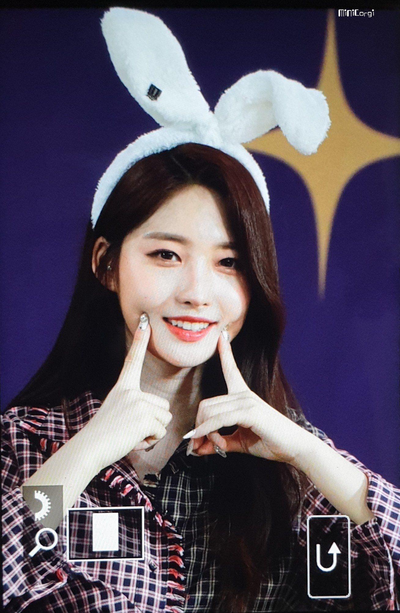 Minicorgi On Twitter Beauty Pop Girl Group Kpop Idol