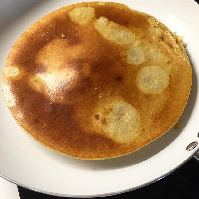 Panqueca de batata doce  200ml de claras c/ 2 gemas + 150gr de batata doce cozida  Triturar tudo e levar á frigideira anti aderente!