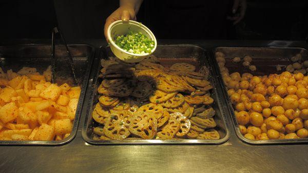 china--guangdong--shenzhen--food-stalls--vegetables-fried--dong-men-area--daytime--street--2015-04-20--16x9