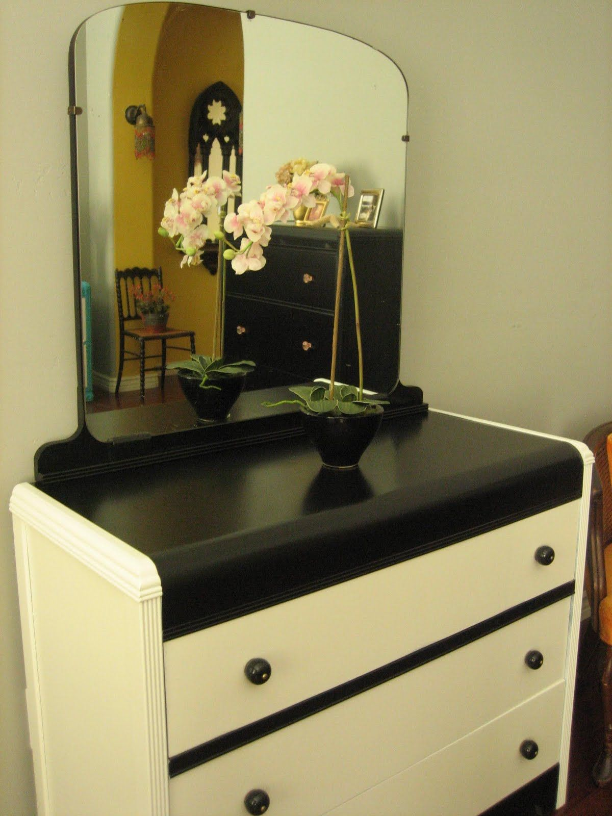 Best Black White Waterfall Dresser W Mirror Waterfall 400 x 300