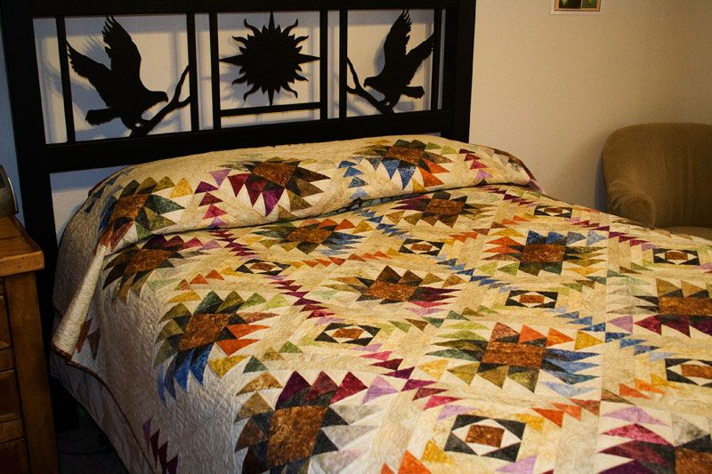 Cynthia Rowley Bedding With Various Motifs And Beautiful Design Patterns: This Stunning Queen Size Quilt, Designed By Chris Hoover