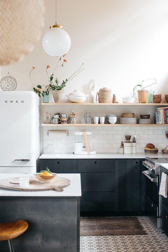 a home in the hills of malibu kitchen confidential pinterest maison d co maison et. Black Bedroom Furniture Sets. Home Design Ideas